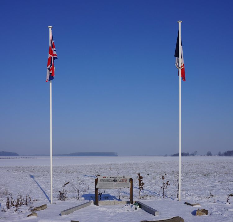 Anglo_French_Memorial_Maricourt