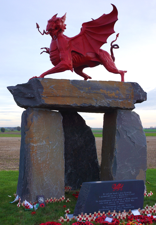 Welsh_Memorial_Pilkem
